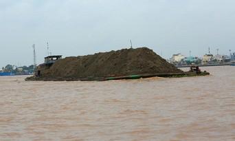 Bất thường giá trúng khai thác cát tại An Giang: Trúng đấu giá vì mục đích khác?