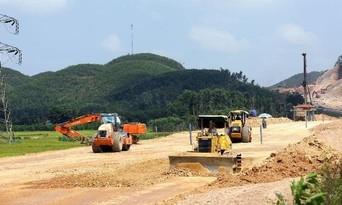 Ký hợp đồng BOT Dự án thành phần cao tốc Diễn Châu - Bãi Vọt