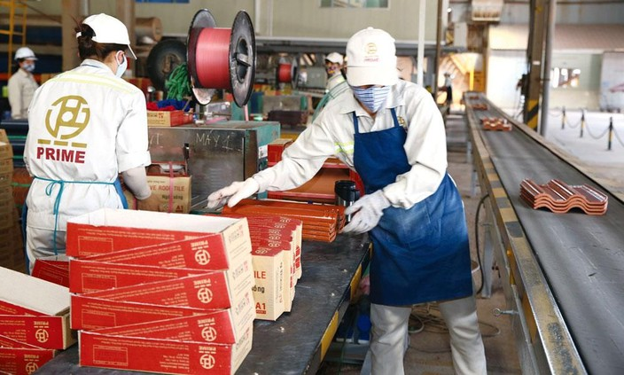 Tại nhiều khu công nghiệp, khu chế xuất, đến thời điểm này đã có trên 90%, thậm chí là 100% số doanh nghiệp quay trở lại hoạt động. Ảnh: Lê Tiên