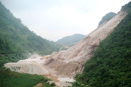 Công ty TNHH Hợp Nhất trúng đấu giá mỏ đá vôi Pác Keng