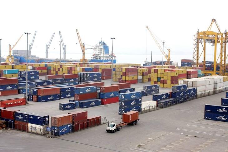 Kim ngạch hàng hóa xuất khẩu 2 tháng đầu năm tăng 5,9% so với cùng kỳ. Ảnh: Lê Tiên