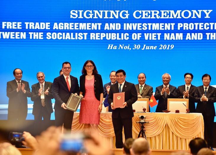 Chính thức ký kết Hiệp định thương mại tự do và Hiệp định bảo hộ đầu tư Việt Nam - EU
