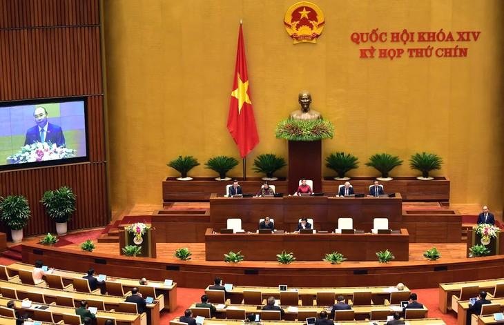 Thủ tướng Chính phủ Nguyễn Xuân Phúc báo cáo Quốc hội về phòng, chống dịch Covid-19 và những nhiệm vụ, giải pháp trọng tâm phục hồi, phát triển kinh tế - xã hội. Ảnh: Lê Tiên