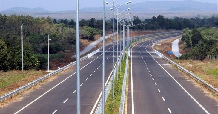 Đưa vào kế hoạch đầu tư công trung hạn 2021 – 2025 tất cả các đoàn còn lại trên tuyến đường bộ cao tốc Bắc – Nam phía Đông