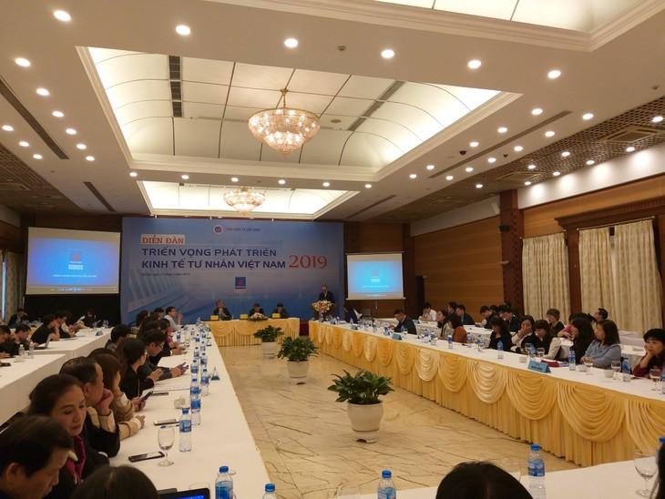 Theo PGS.TS. Trần Đình Thiên, phát triển kinh tế tư nhân phải được xem là một nhiệm vụ ưu tiên chiến lược trong 5 -7 năm tới. Ảnh: Trần Nam