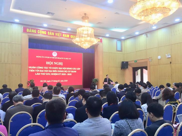 Hội nghị cung cấp cho cấp ủy các cấp những nội dung cơ bản về quy trình, cách thức tổ chức Đại hội chi bộ, Đảng bộ cơ sở theo quy định của Điều lệ Đảng