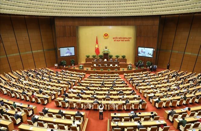 Kỳ họp thứ 10, Quốc hội khóa XIV diễn ra trong bối cảnh tình hình thế giới, trong nước có nhiều diễn biến phức tạp, khó dự báo