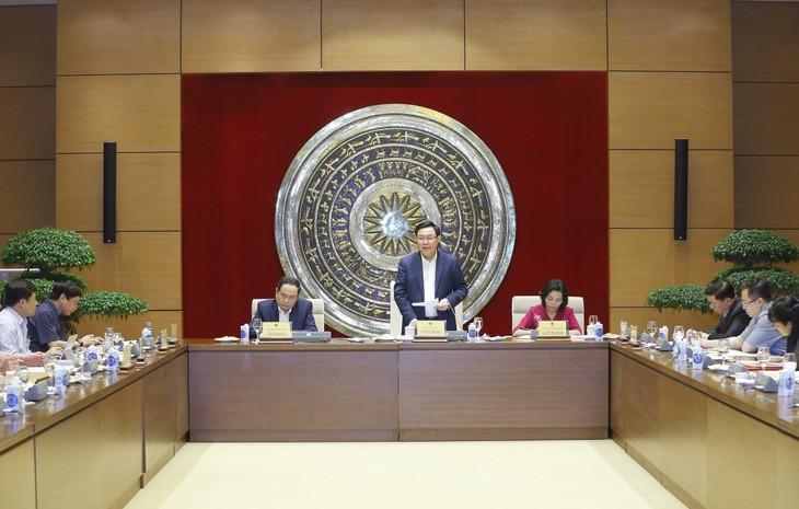 Chủ tịch Quốc hội Vương Đình Huệ yêu cầu Ban công tác đại biểu cần tập trung cao độ cho việc chuẩn bị tổ chức thành công cuộc bầu cử đại biểu Quốc hội Khóa XV - ảnh Thành Chung