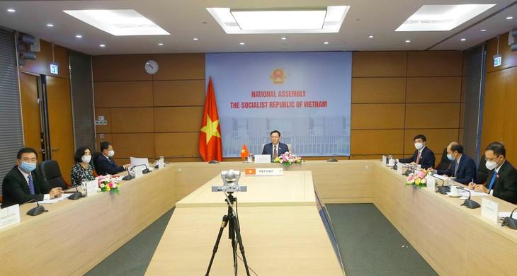 Toàn cảnh buổi hội đàm trực tuyến sáng ngày 3/6/2021 tại Nhà Quốc hội Việt Nam
