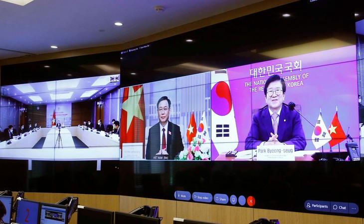 Buổi hội đàm trực tuyến giữa Chủ tịch Quốc hội Vương Đình Huệ và Chủ tịch Quốc hội Hàn Quốc Park Byeong Seug sáng ngày 23/6/2021