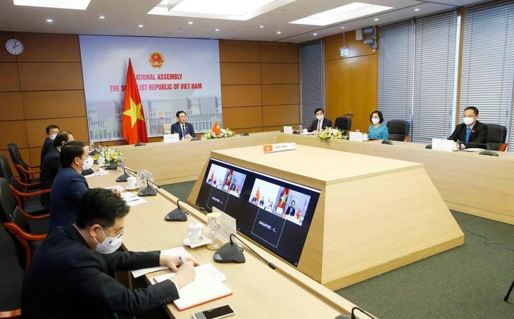 Việt Nam rất muốn nghiên cứu kinh nghiệm và chiến lược mới của Singapore trong phòng, chống dịch COVID-19 để tiếp tục phục hồi và phát triển kinh tế. - Ảnh Thành Chung
