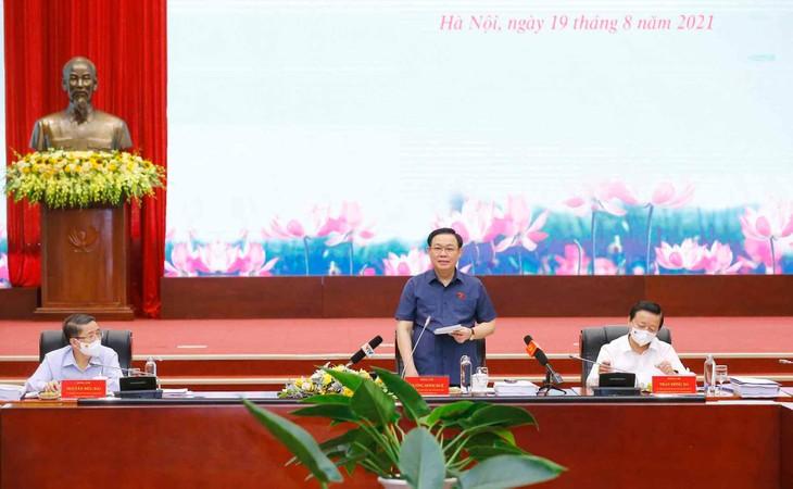Chủ tịch Quốc hội Vương Đình Huệ yêu cầu quá trình soạn thảo Luật Đất đai (sửa đổi) vừa phải khắc phục tình trạng luật ống luật khung, vừa khắc phục tình trạng chưa đủ rõ đã chốt cứng trong luật dẫn tới tuổi thọ Luật ngắn - ảnh Thành Chung
