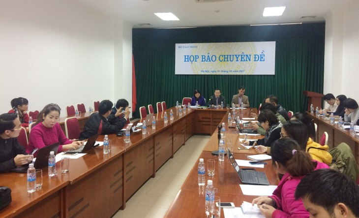 Ông Hoàng Hải - Phó Cục trưởng Cục QLN&TCĐN cho biết Nghị định mới có nhiều quy định mới nhằm kiểm soát chặt chẽ việc cấp và quản lý bảo lãnh Chính phủ.