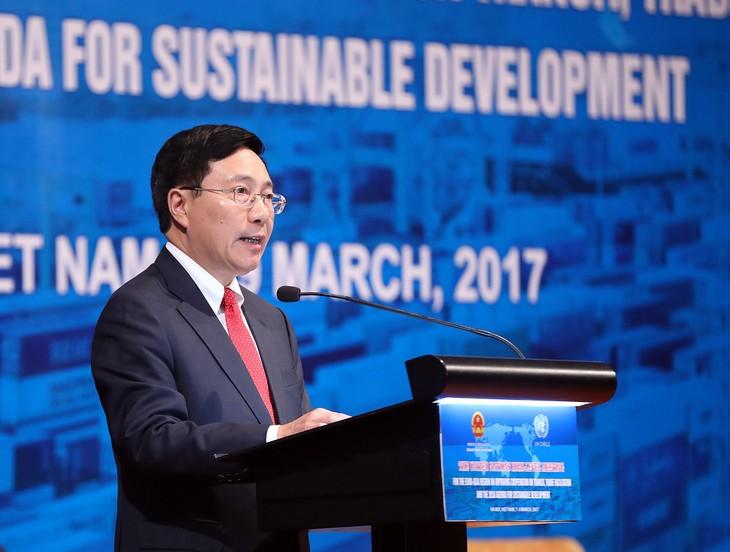 Phó Thủ tướng Phạm Bình Minh phát biểu tại Hội nghị Cấp cao LHQ khu vực Á-Âu về tăng cường hợp tác thuận lợi hóa trung chuyển, thương mại. Ảnh: VGP