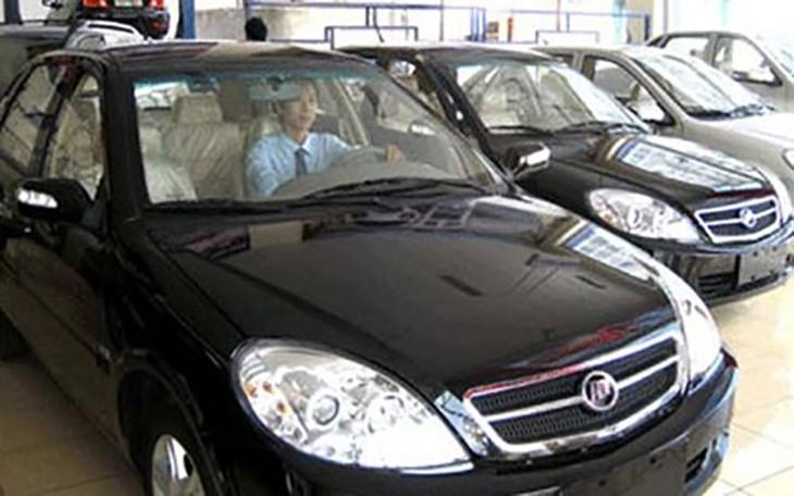 Các mẫu xe cũ có giá chênh rất nhiều so với giá của xe công thanh lý (Ảnh minh họa)