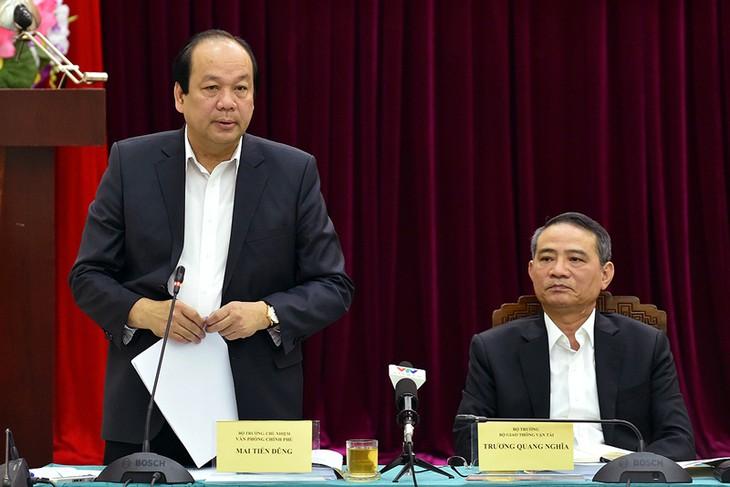 Bộ trưởng, Chủ nhiệm VPCP Mai Tiến Dũng cho biết, Thủ tướng đề nghị Bộ nên dừng toàn bộ việc cấp phép nạo vét lòng sông, đây là vấn đề đang bị các địa phương phản ứng. Ảnh VGP