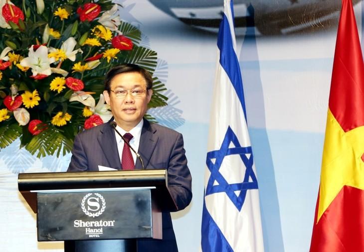 Phó Thủ tướng Vương Đình Huệ phát biểu tại Diễn đàn Doanh nghiệp Việt Nam-Israel. Ảnh: VGP