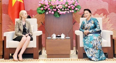 Chủ tịch Quốc hội Nguyễn Thị Kim Ngân và Đại sứ Na Uy tại Việt Nam Siren Gjerme Eriksen. Ảnh: Quochoi.vn