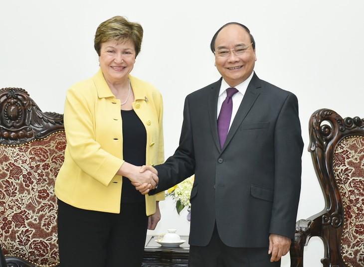 Thủ tướng Nguyễn Xuân Phúc tiếp Tổng Giám đốc điều hành WB, bà Kristalina I. Georgieva. Ảnh: VGP