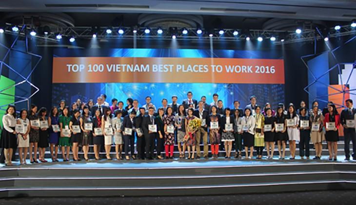 Nhà thầu Hòa Bình nằm trong Top 100 nơi làm việc tốt nhất Việt Nam năm 2016