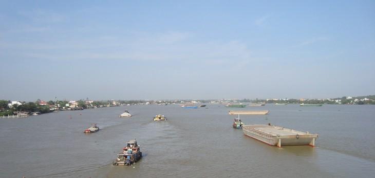 Ngừng 4 dự án nạo vét kết hợp tận thu cát trên các nhánh sông Đồng Nai