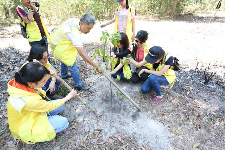 Trồng 20 cây lâu năm tại Khu Bảo tồn Thiên nhiên Bình Châu – Phước Bửu.