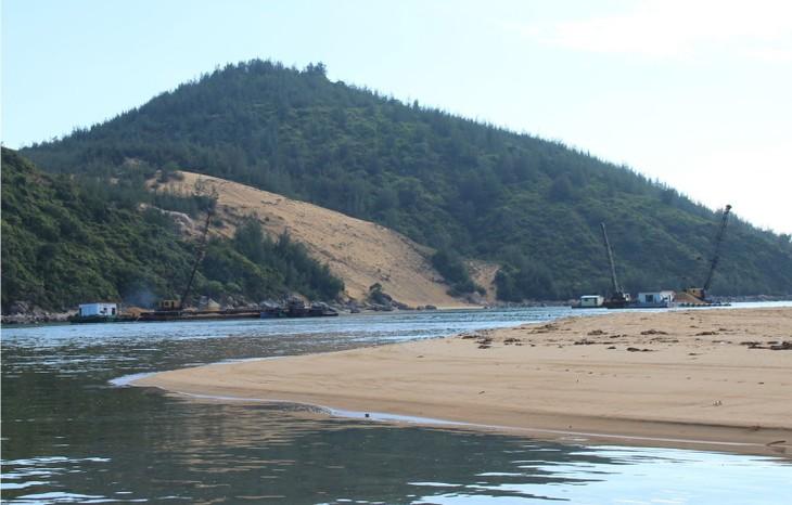 Phó Thủ tướng chỉ đạo Bộ GTVT tạm dừng cấp mới giấy phép các dự án xã hội hóa tận thu cát nhiễm mặn để bù chi phí nạo vét, duy tu các tuyến luồng đường thủy...Ảnh: internet