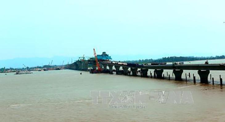 Dự án đường ô tô Tân Vũ – Lạch Huyện (Hải Phòng) dự kiến hoàn thành vào tháng 5/2017. Ảnh: TTXVN