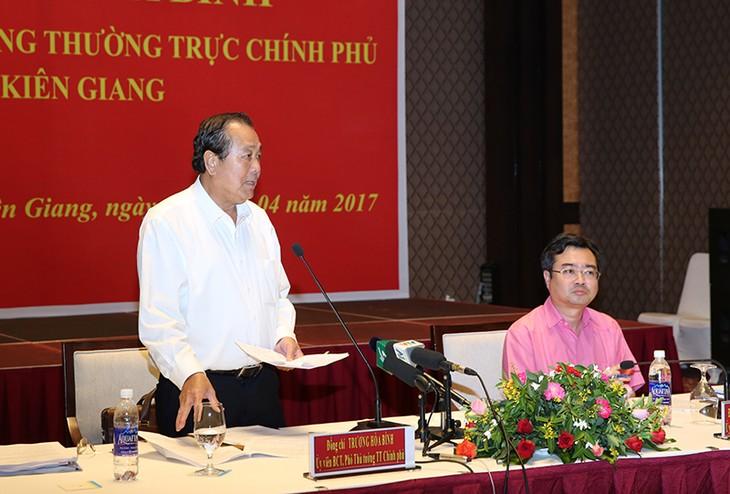 Phó Thủ tướng Trương Hòa Bình phát biểu tại buổi làm việc.