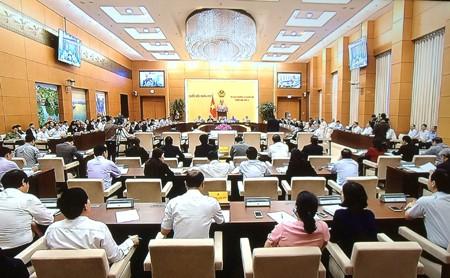 Bộ trưởng Bộ LĐTBXH Đào Ngọc Dung trả lời chất vấn