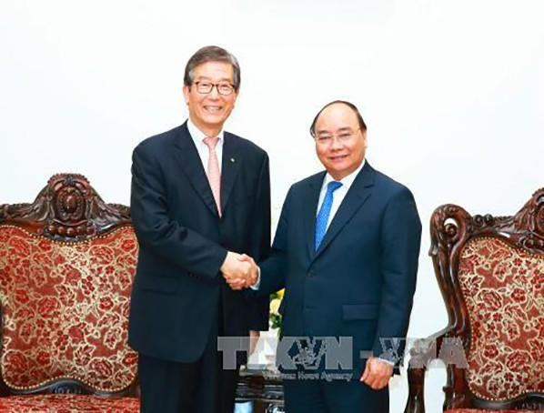 Thủ tướng Nguyễn Xuân Phúc tiếp ông Lee Dong Geol. Ảnh: TTXVN