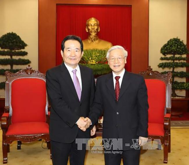 Tổng Bí thư Nguyễn Phú Trọng tiếp Chủ tịch Quốc hội Hàn Quốc Chung Sye-kyun. Ảnh: TTXVN