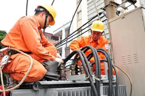 APEC 2017: Đảm bảo điện phục vụ Hội nghị các quan chức cấp cao APEC. Ảnh: TTXVN