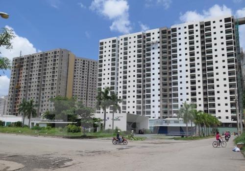 Nhiều đại gia bất động sản thế chấp dự án hình thành trong tương lai. Ảnh minh họa: TTXVN