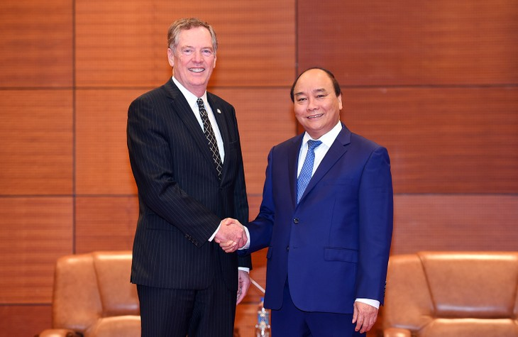 Thủ tướng Nguyễn Xuân Phúc tiếp Đại diện Thương mại Hoa Kỳ Robert Lighthizer. Ảnh: VGP