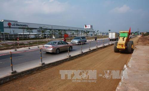 Quốc lộ 10 được mở rộng nhằm nâng cao khả năng kết nối giao thông giữa Hải Phòng với các tỉnh Thái Bình, Nam Định, Ninh Bình, Thanh Hóa. Ảnh:TTXVN