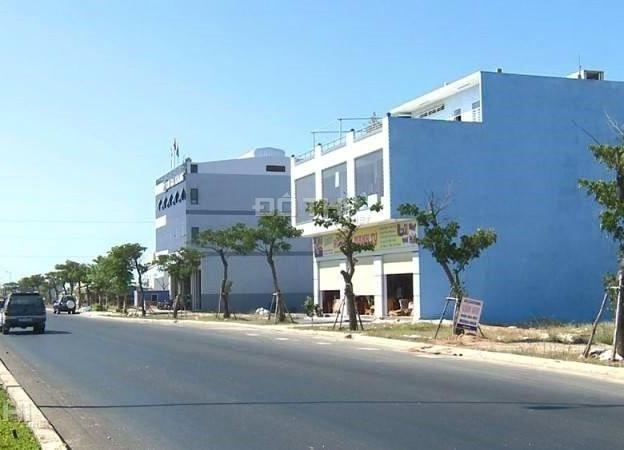 Đất nền khu Nam cầu Nguyễn Tri Phương có giá từ 4 - 5 triệu đồng/m2 thời điểm cuối 2015 - đầu 2016 đã tăng gấp đôi ở thời điểm hiện tại.