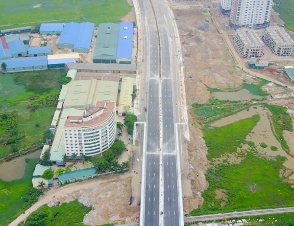 Tuyến đường BT Lê Đức Thọ kéo dài vừa thông xe cách đây mấy năm khi đang triển khai dang dở, Hà Nội đã vào cuộc kiểm tra và phát hiện đã nâng giá khống lên hơn 430 tỷ đồng.