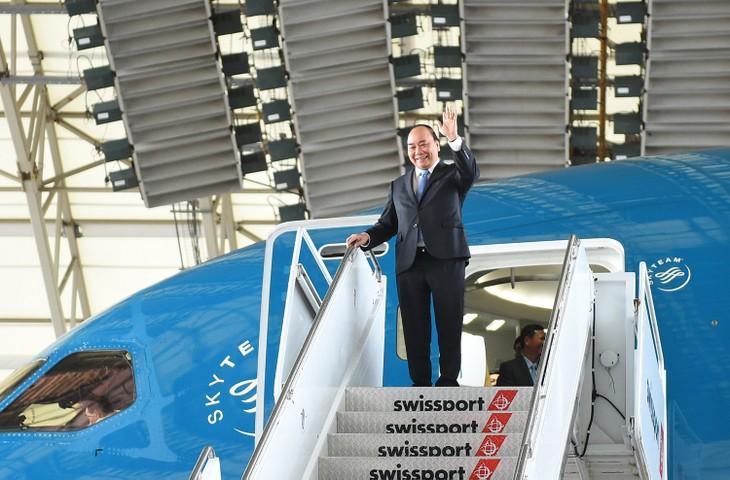 Thủ tướng Nguyễn Xuân Phúc đến sân bay John F. Kennedy, New York. Ảnh: VGP