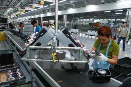 Dây chuyền sản xuất thiết bị điện tử gia dụng tại công ty LG Electronics Việt Nam. Ảnh: TTXVN