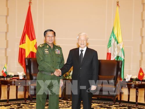 Tổng Bí thư Nguyễn Phú Trọng tiếp Tổng Tư lệnh các Lực lượng vũ trang Myanmar Min Aung Hlaing. Ảnh: TTXVN