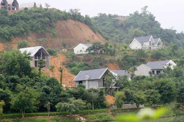 Hòa Bình: Hàng loạt dự án khu nghỉ dưỡng, resort tồn tại vi phạm