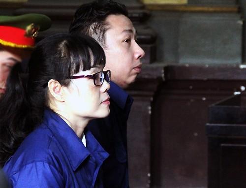 Huyền Như và Tuấn tại tòa hôm nay.