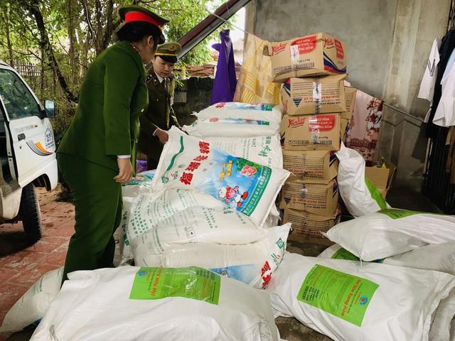 Đối tượng lấy nguồn hàng nhập từ Trung Quốc về để sang chiết, đóng bao mang nhãn hiệu của công ty mì chính, hạt nêm nổi tiếng.