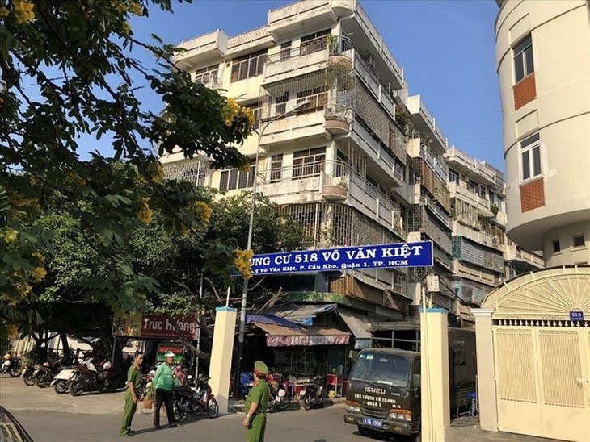 Chung cư 518 Võ Văn Kiệt, quận 1, TPHCM bị lún nghiêng hơn 45 cm
