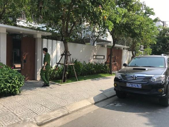 Cơ quan điều tra khám nhà ông Nguyễn Ngọc Tuấn, nguyên phó chủ tịch UBND TP Đà Nẵng sáng 18-3