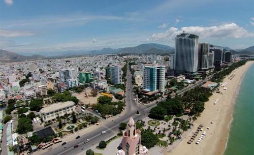 Sự thiếu hụt nguồn nhân lực gây ra nhiều khó khăn cho ngành du lịch và thị trường bất động sản nghỉ dưỡng.