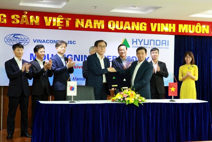 Vinaconex ký kết biên bản ghi nhớ hợp tác chiến lược với Hyundai E&C