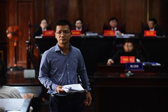 Phó cục trưởng Cục Quản lý dược Nguyễn Thành Lâm tại tòa hôm 26-9