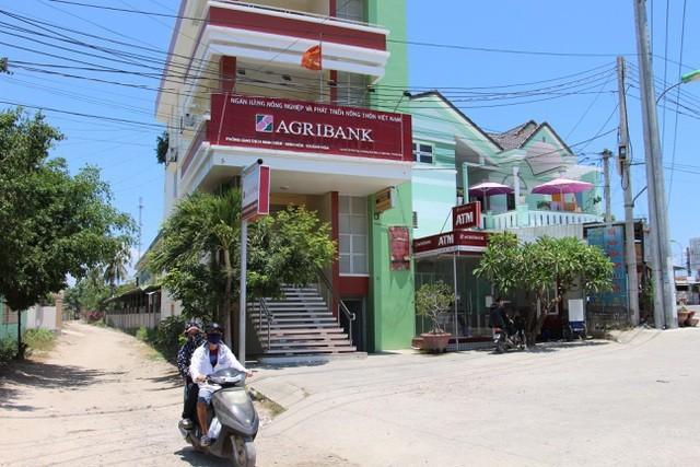 """Phòng giao dịch Ninh Diêm (thị xã Ninh Hòa), nơi người dân phản ánh tiền gửi tiết kiệm bất ngờ """"bốc hơi"""""""